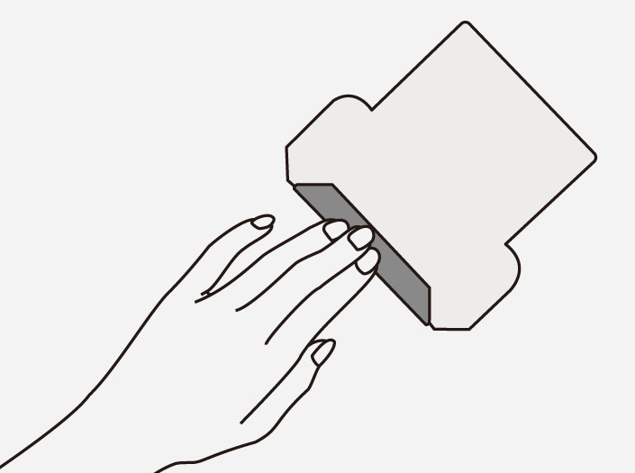 製品染めスペースブルー:パスケースを折る