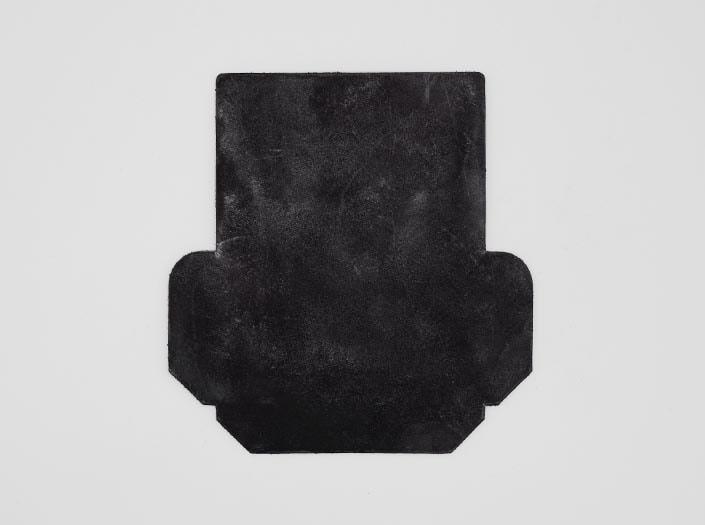 製品染めブラウンブラック+ワックス仕上げ:カードケースの表面