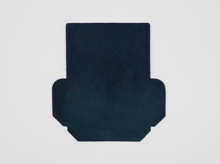 製品ムラ染めネイビーブルー:カードケースの表面