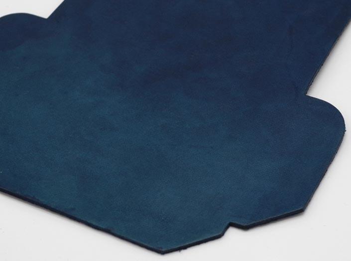 製品ムラ染めネイビーブルー:カードケースのディテール