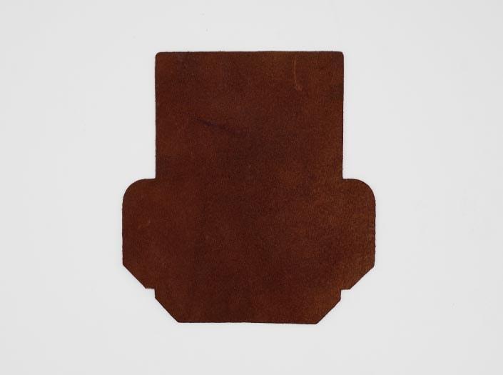 製品染めアンティークブラウン+ワックス仕上げ:カードケースの裏面