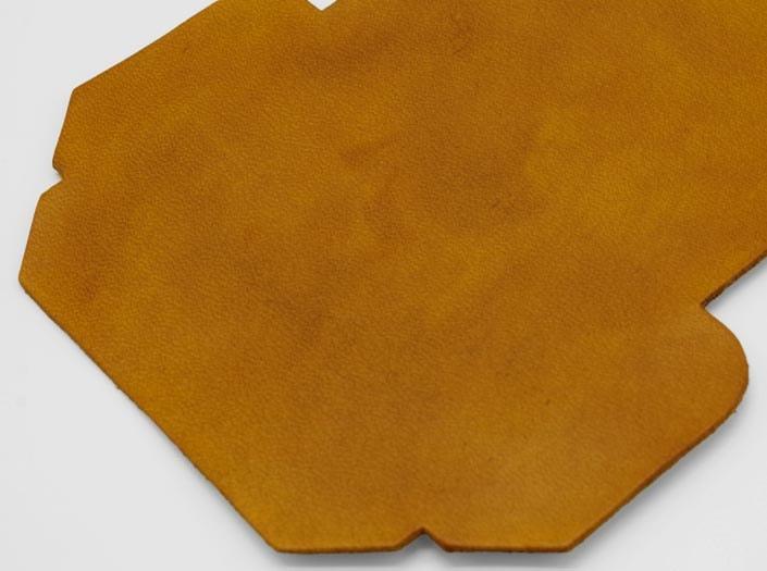 製品染めキャメルイエロー:カードケースのディテール