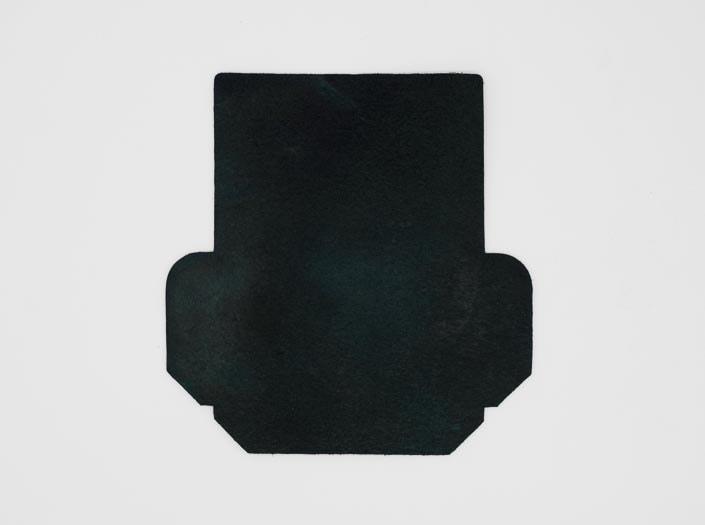 製品染めスペースブルー:カードケースの裏面