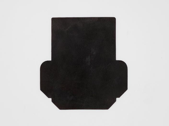製品ムラ染めダークブラウン:カードケースの表面