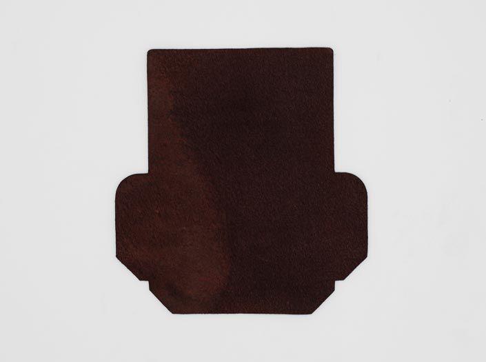 製品ムラ染めダークブラウン:カードケースの裏面