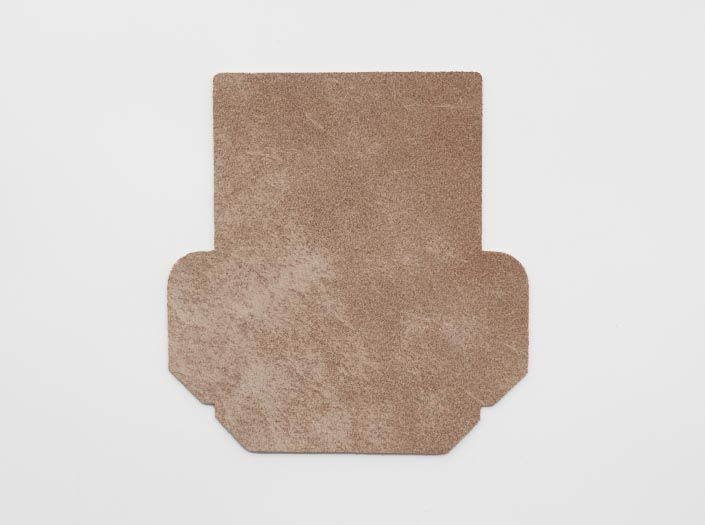 ヌメ革タンロー:カードケースの裏面