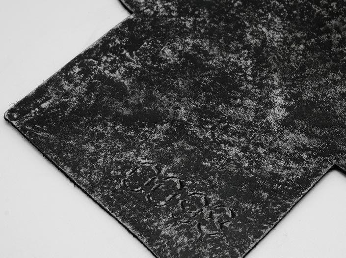 ホワイト×ブラック「0098」:カードケースのディテール