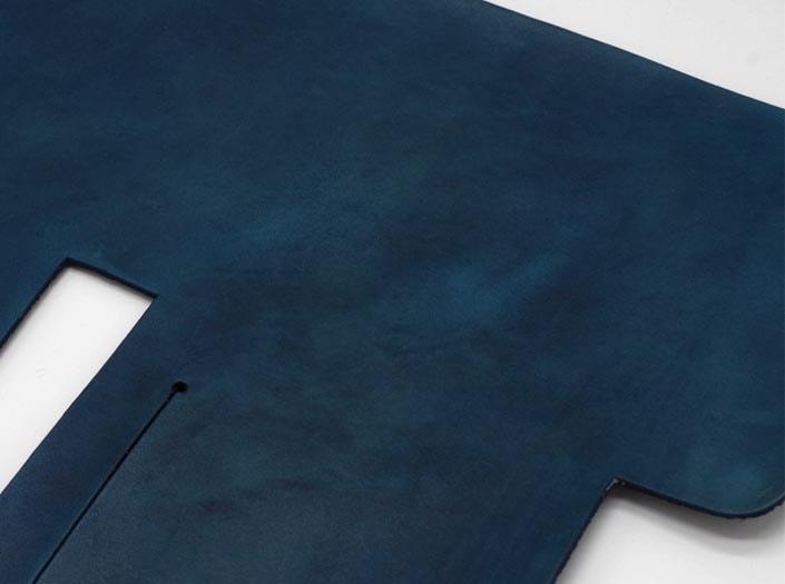 製品ムラ染めネイビーブルー:札ケース(二つ折り財布)のディテール