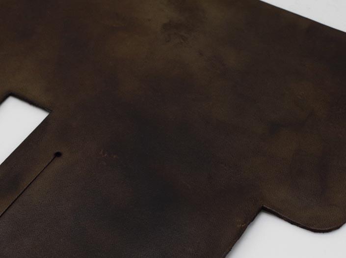 製品ムラ染めブラウン:札ケース(二つ折り財布)のディテール