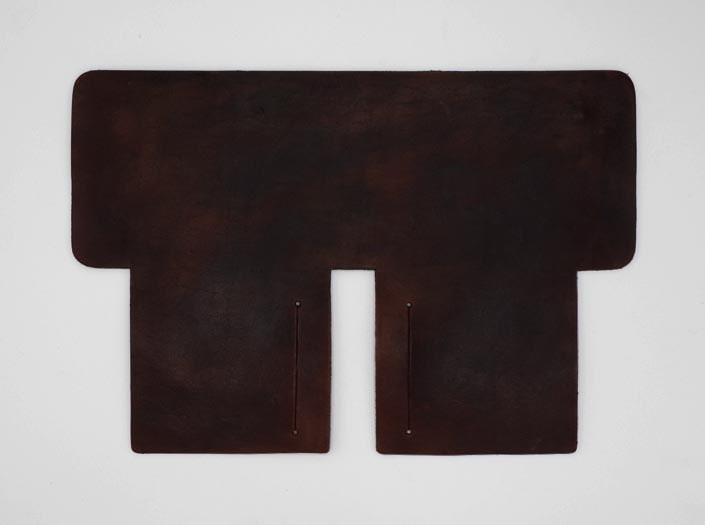 製品ムラ染めディープブラウン:札ケース(二つ折り財布)の表面