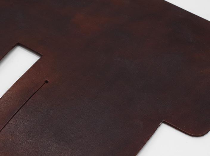 製品ムラ染めディープブラウン:札ケース(二つ折り財布)のディテール