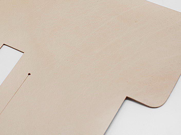 バッファローキップ×ナチュラル:札ケース(二つ折り財布)のディテール