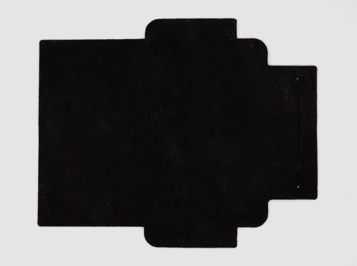スクラッチ加工×ブラック:札ケース(長財布)の裏面