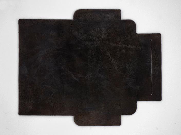 製品ムラ染めダークブラウン+ワックス仕上げ:札ケース(長財布)の表面