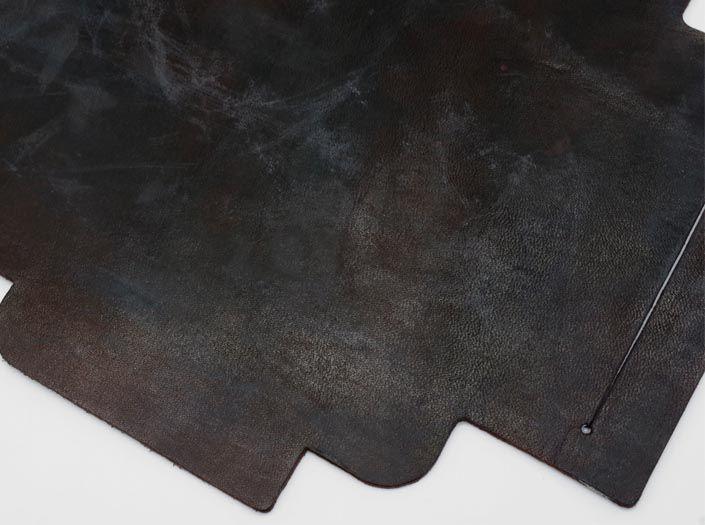 製品ムラ染めダークブラウン+ワックス仕上げ:札ケース(長財布)のディテール