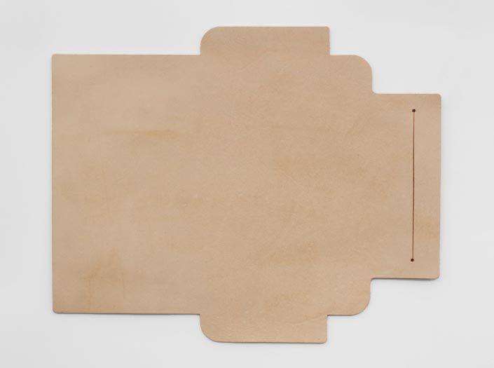 ハードレザー×ナチュラル:札ケース(長財布)の表面