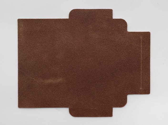 ハードレザー×ナチュラル:札ケース(長財布)の裏面