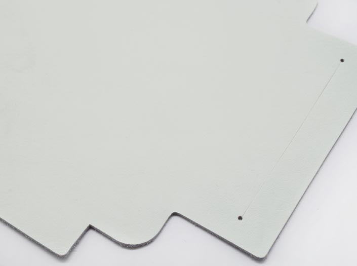 ホワイトレザー:札ケース(長財布)のディテール