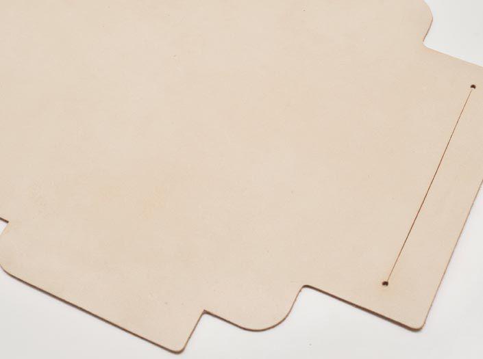 ヌメ革タンロー:札ケース(長財布)のディテール