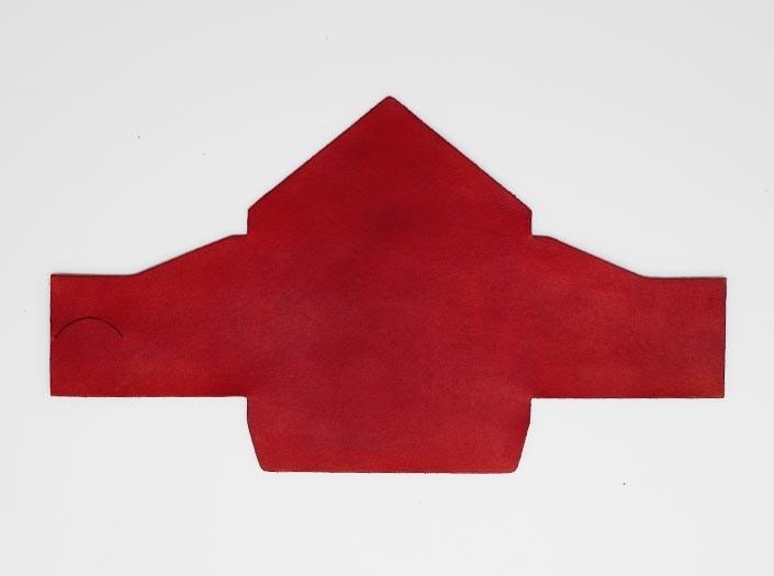 製品染めディープレッド:マルチケースの表面