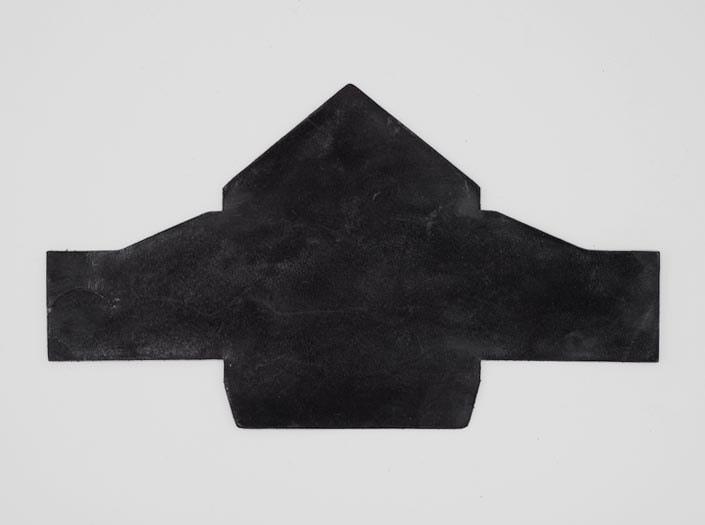 製品染めブラウンブラック+ワックス仕上げ:マルチケースの表面