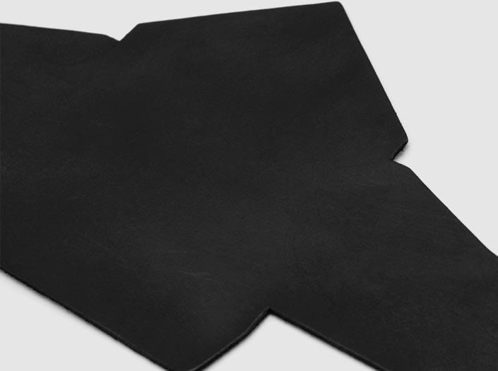 製品染めマットブラック:マルチケースのディテール
