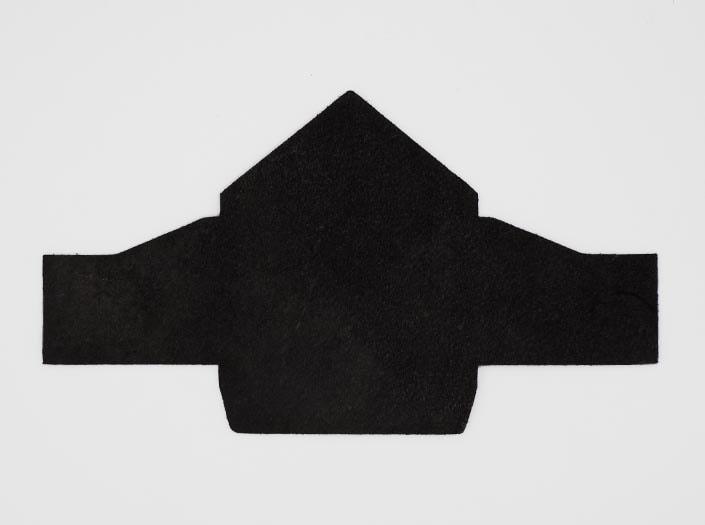製品染めブラック:マルチケースの裏面