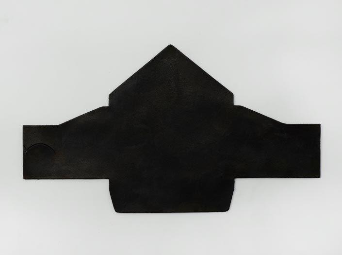 斑染めブラック:マルチケースの表面