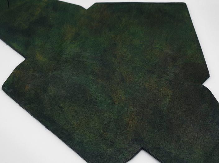 迷彩染めグリーン:マルチケースのディテール