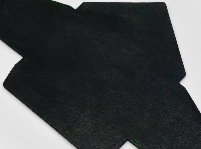 製品ムラ染めディープグリーン:マルチケースのディテール