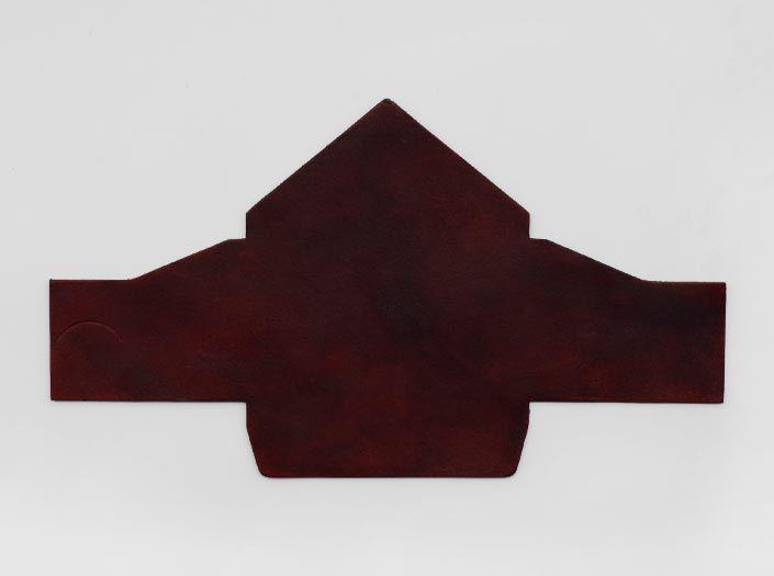 製品染めブリックレッド:マルチケースの表面