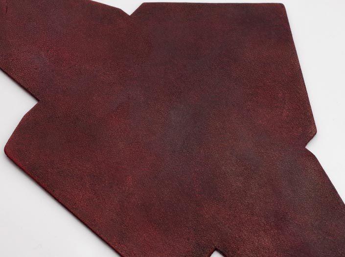 製品染めブリックレッド:マルチケースのディテール