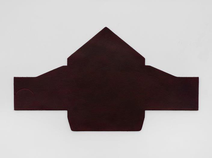 製品染めダークパープル:マルチケースの表面