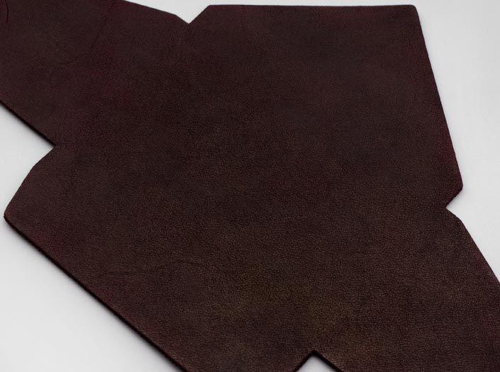製品染めダークパープル:マルチケースのディテール