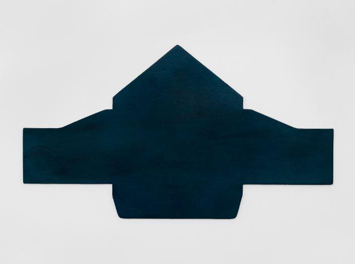 製品ムラ染めディープマリンブルー:マルチケースの表面