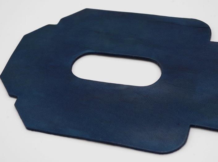 製品ムラ染めネイビーブルー:パスケースのディテール