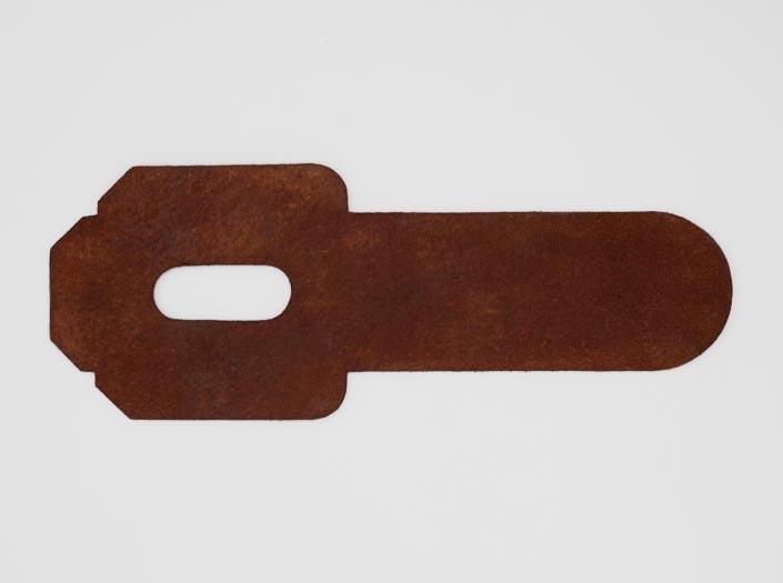 製品染めアンティークブラウン+ワックス仕上げ:パスケースの裏面