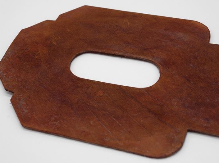 製品染めアンティークブラウン+ワックス仕上げ:パスケースのディテール
