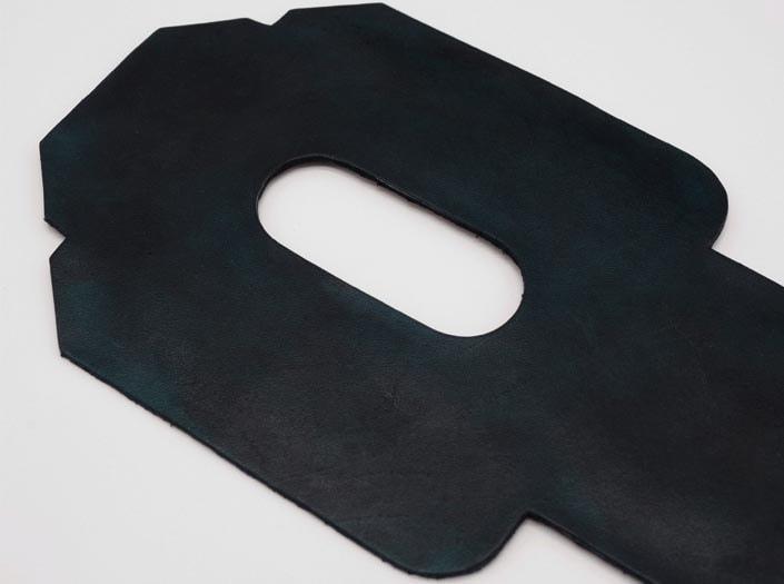 製品染めスペースブルー:パスケースのディテール